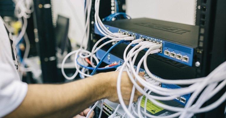 Imagen fibra internet desarrollo web